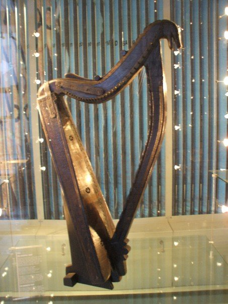 Said to be the harp that Hempson used.