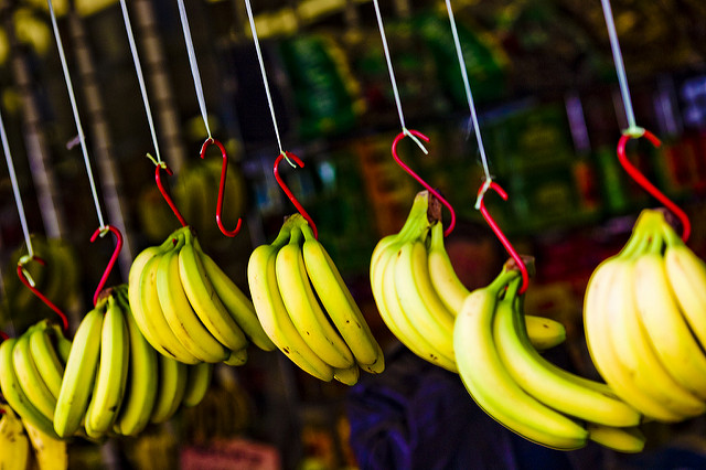 Bananas | flickr / thomashawk / 5636308142