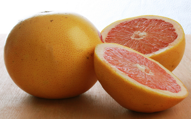 Grapefruit | flickr / jim-lightfoot / 11546826715